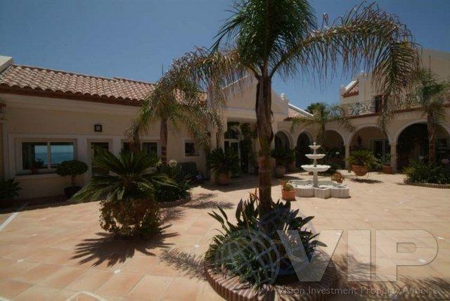 VIP1840: Villa for Sale in Estepona, Málaga