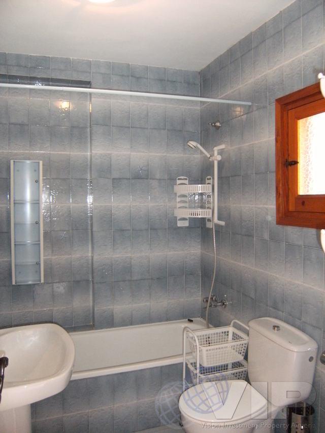 Upper Familt Bathroom