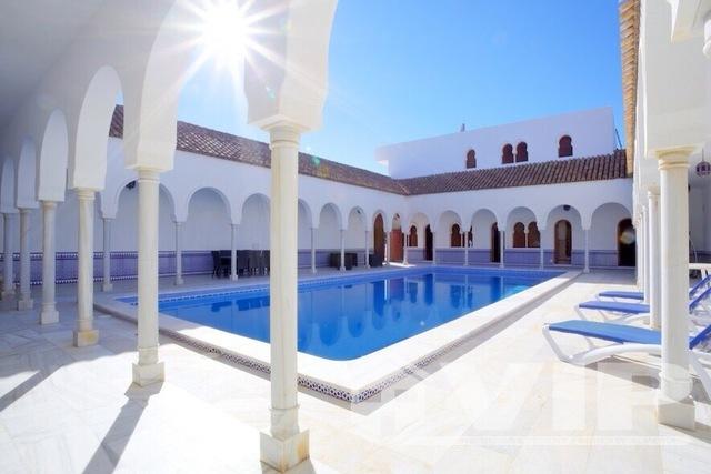 120m2 Private Moorish courtyard swimming pool